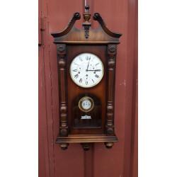 В1423  Часы настенные...
