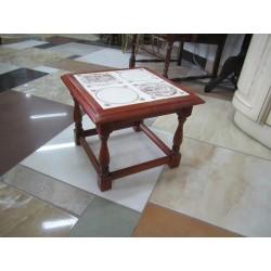 Столик с керамической плиткой